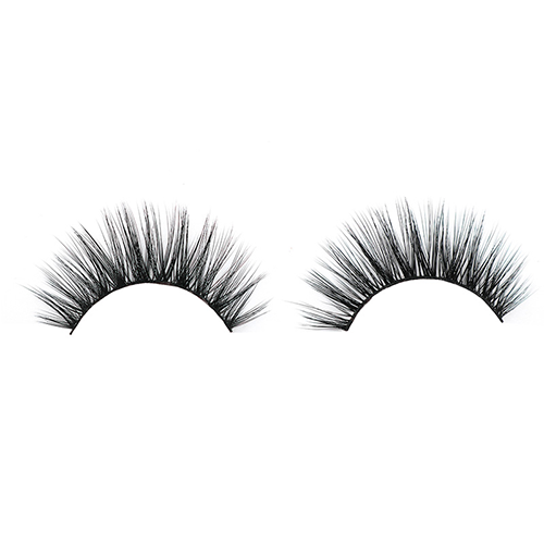 Glamorous Silk Eyelash Extensions